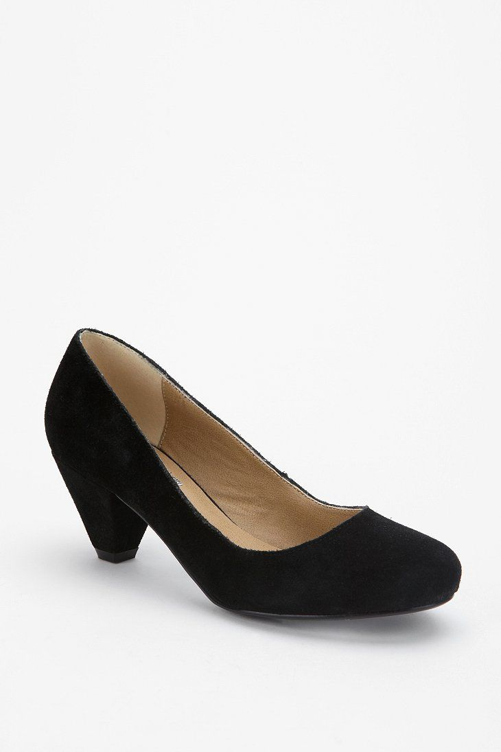 0f1883cae546 BDG Suede Kitten Heel - Urban Outfitters