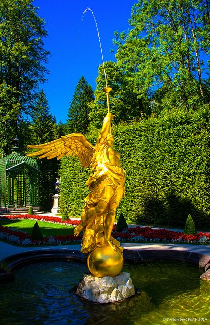 Schlosspark Linderhof Brunnen In Der Westpaterre Germany Castle France Travel