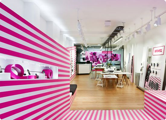 Deutsche Telekom's 4010 store in Cologne has a strong pop