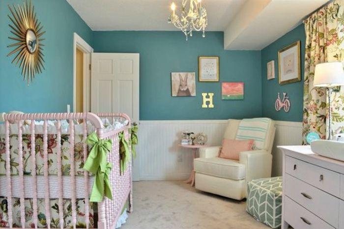 Fabulous babyzimmer m dchen deko ideen f r das babyzimmer goldener spiegel buchstabe gr ne schleifen