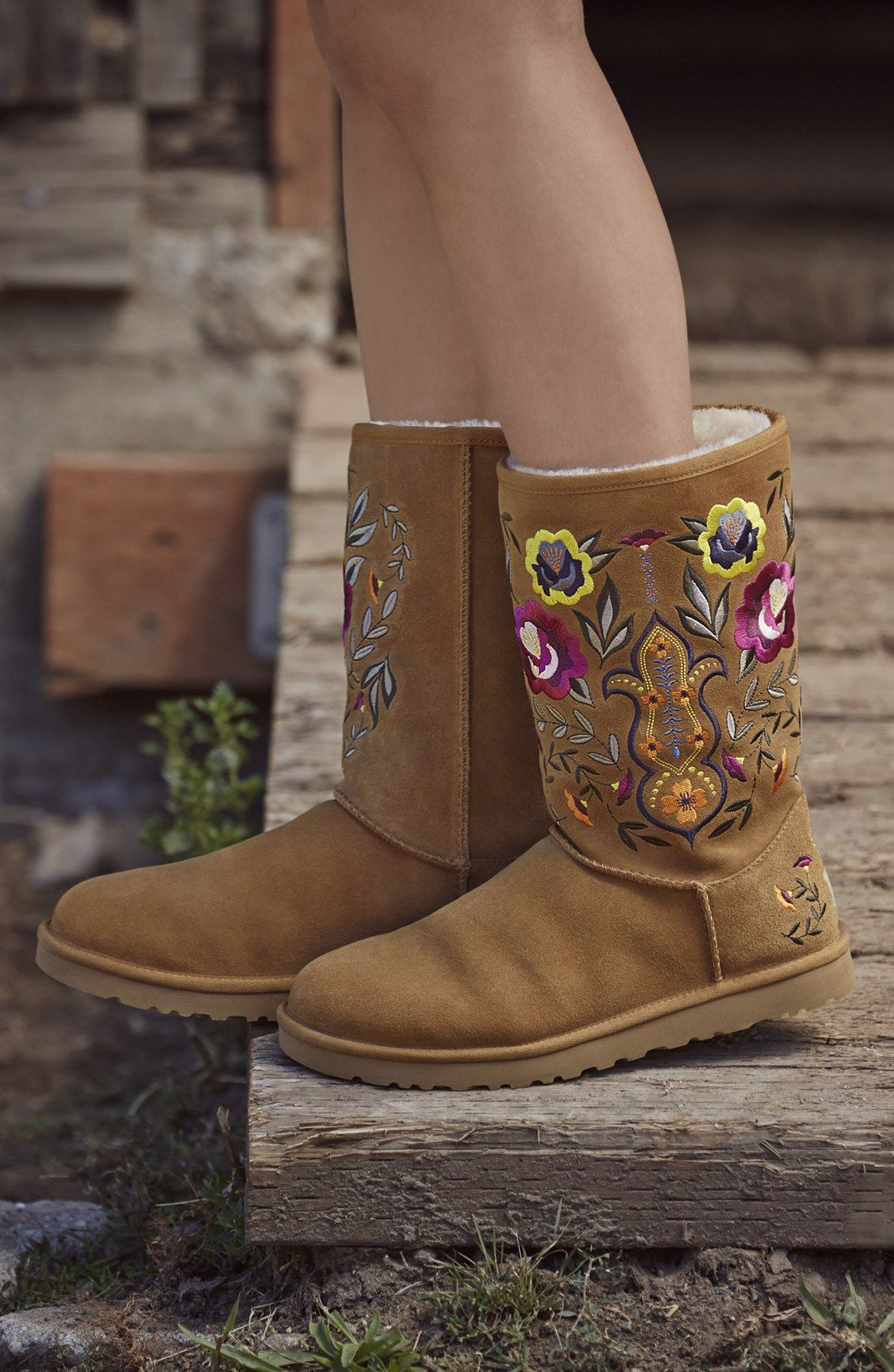db4f8c4e These embroidered Uggs are on the wishlist! | Fall Fashion | Uggs ...