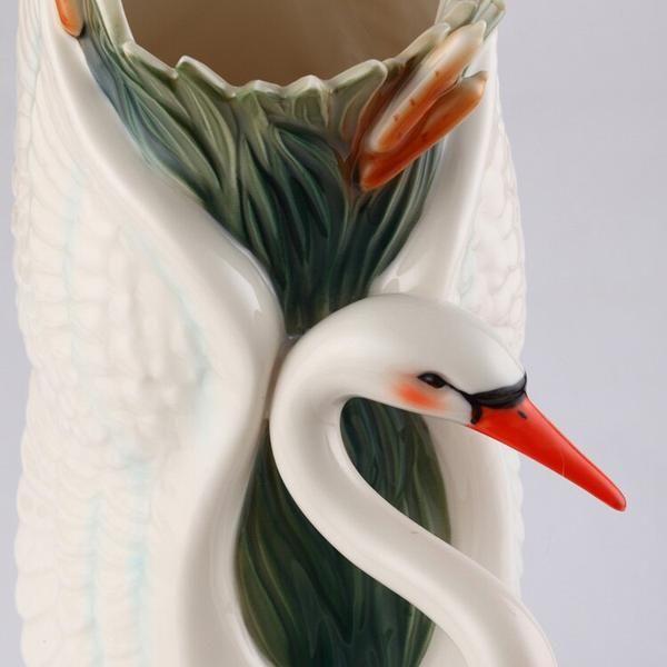 Photo of Swan Kiss Tabletop Flower Vase