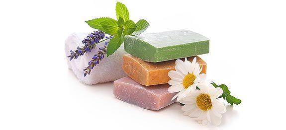 recettes de savon faire soi m me huiles essentielles et autres produits magiques pinterest. Black Bedroom Furniture Sets. Home Design Ideas