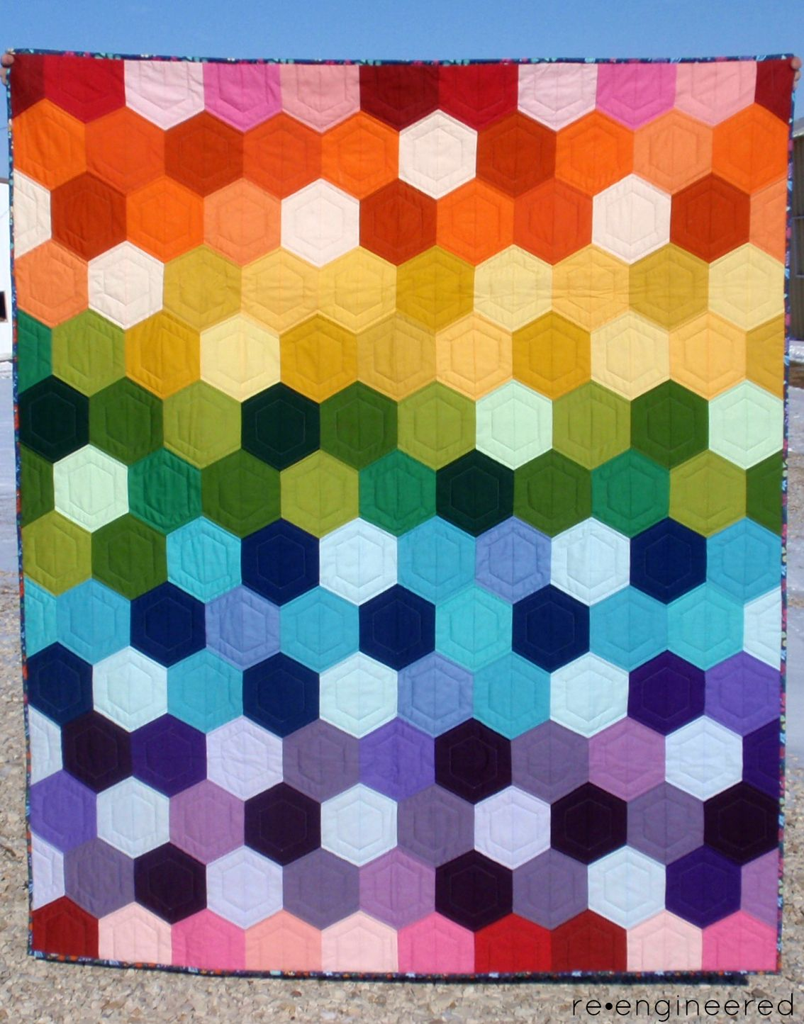 re•engineered: rainbow hexagon quilt : finished | Quilting ... : finishing a hexagon quilt - Adamdwight.com