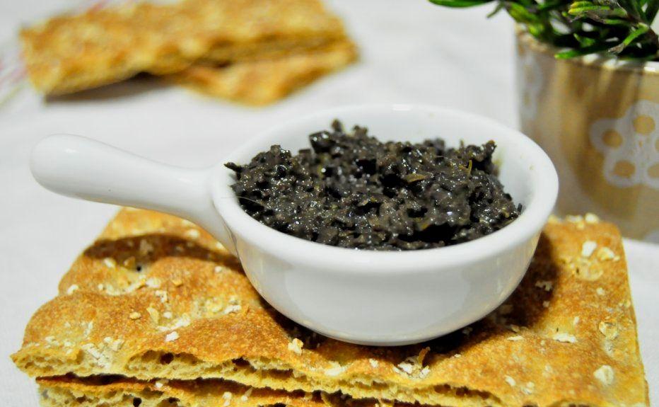 Tapenade O Paté De Aceitunas Negras Y Alcaparras Food Yummy World Food And Drink