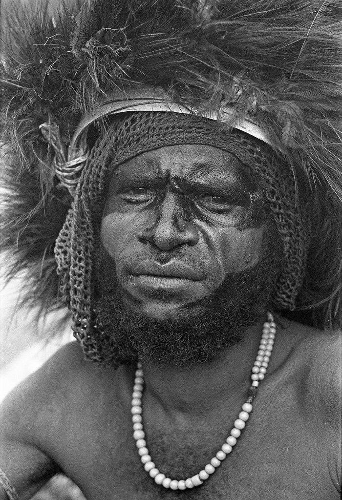 Foto Jos Donkers. Papua, wisselmeren. https://flic.kr/p/TfH9iK   album1film89foto012   Badawwo: feest 1969