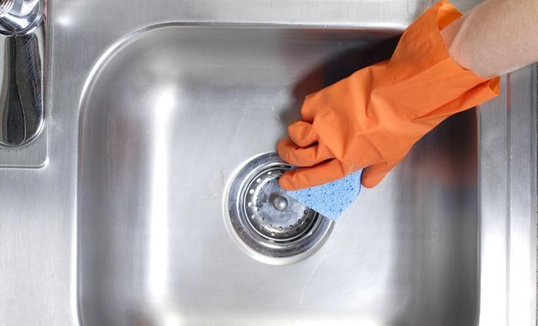 C mo limpiar un fregadero de acero inoxidable fregaderos - Como limpiar acero inoxidable cocina ...