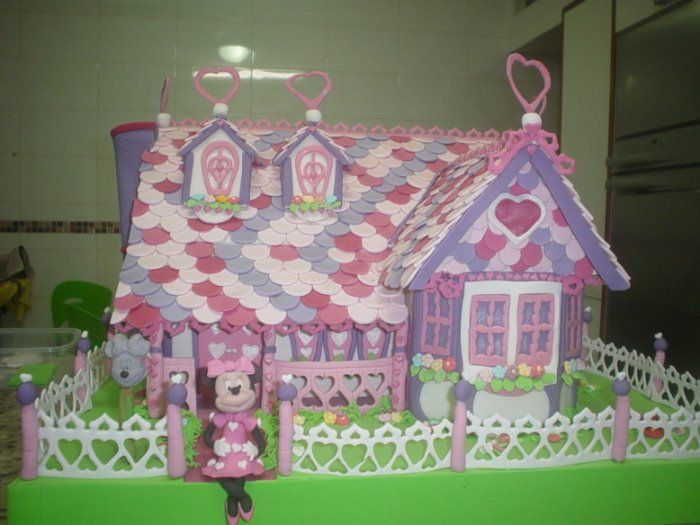 minnie's house cake