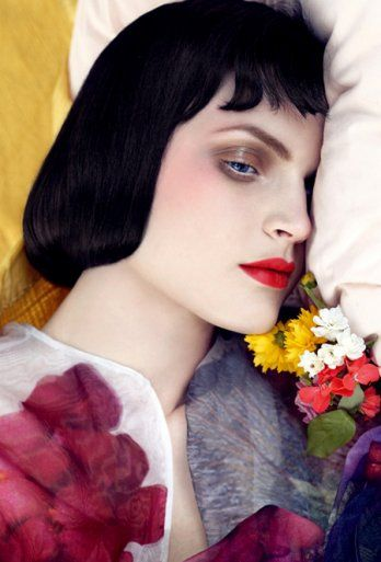 Steven Meisel. This is so striking. it looks like a painting rather than a real person
