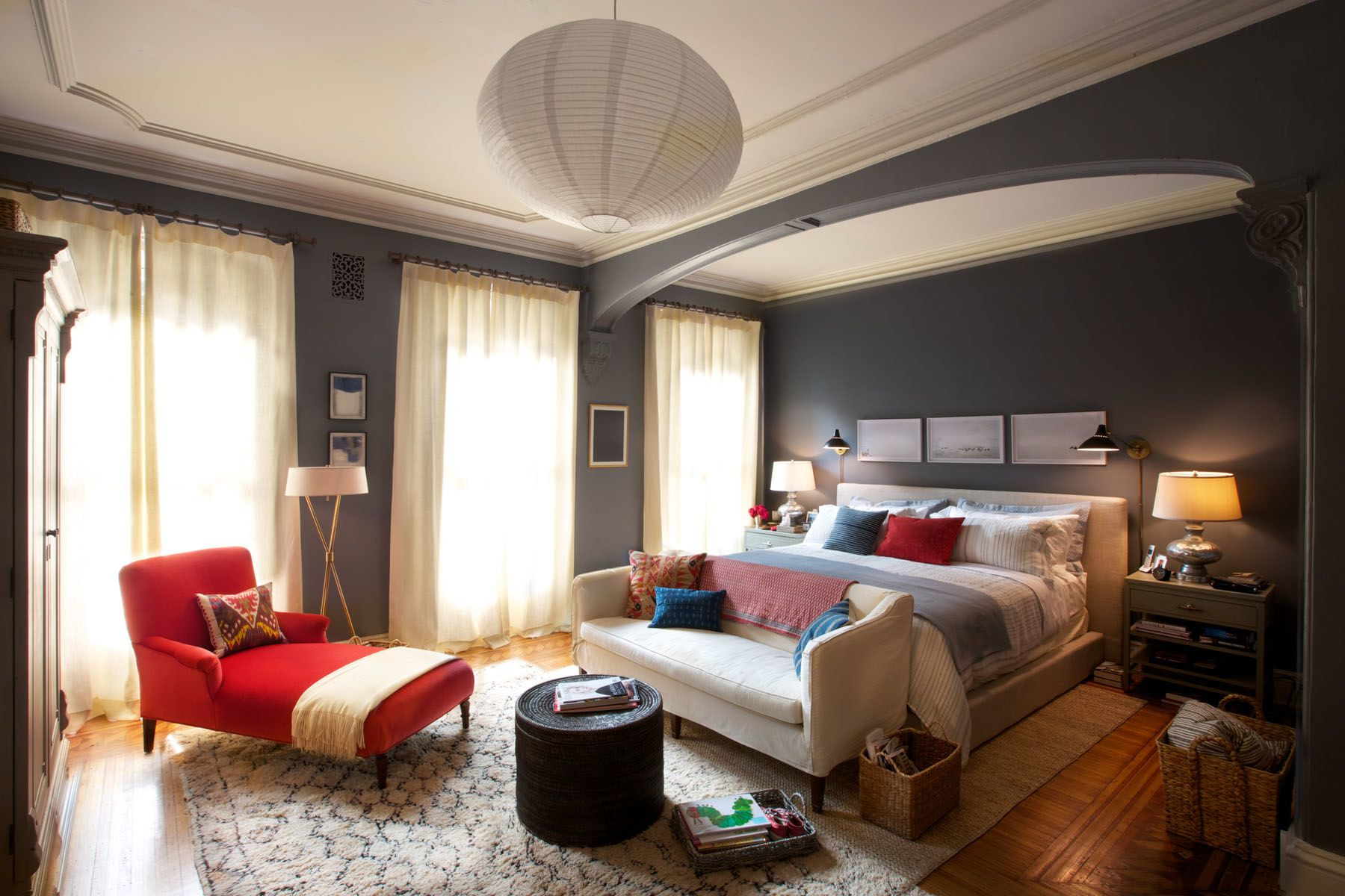 """Bedroom Teen Set Design tour the stylish sets of """"the intern"""" 