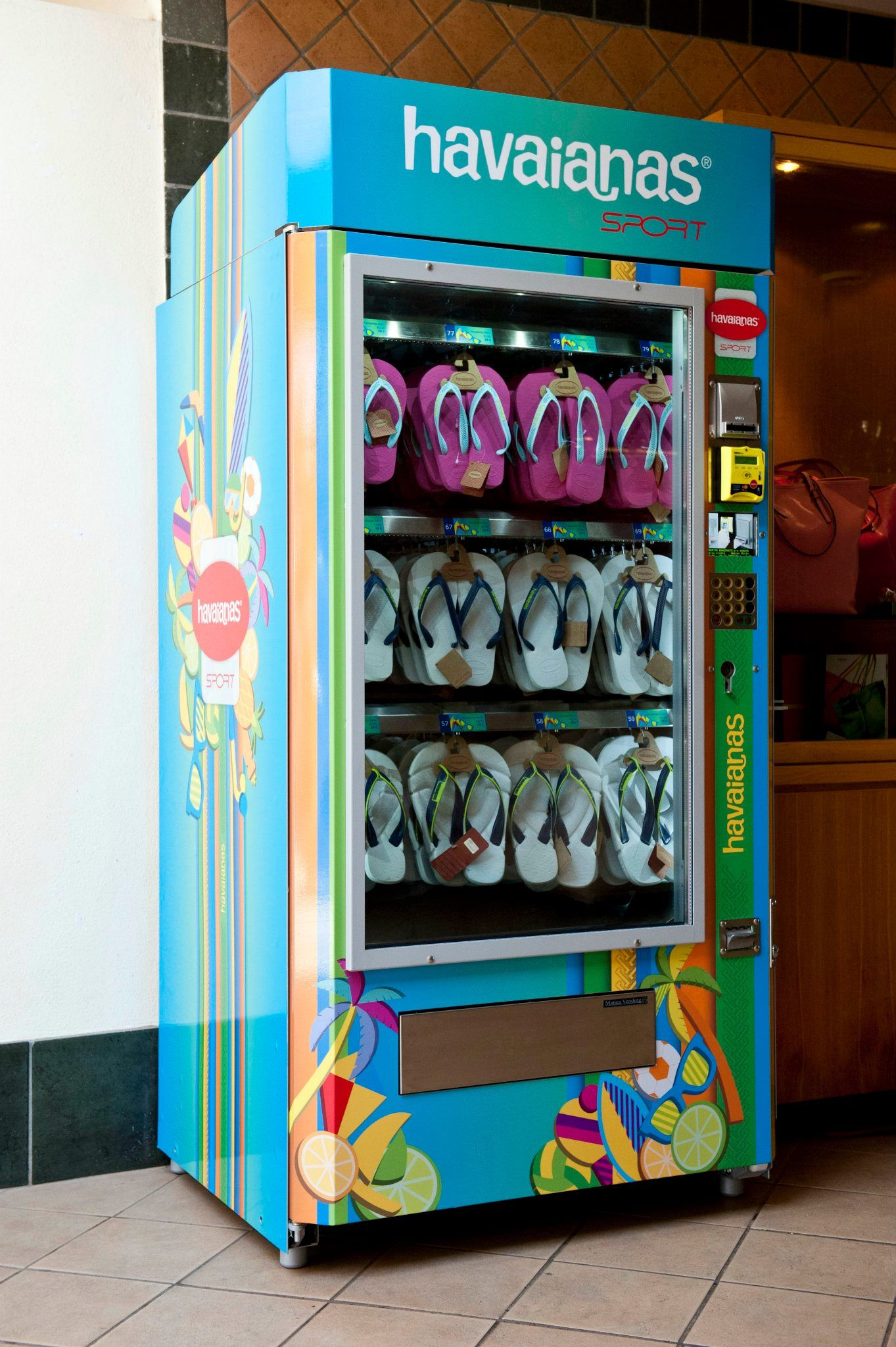 Havaianas FlipFlops Vending Machine in Roma, Italy