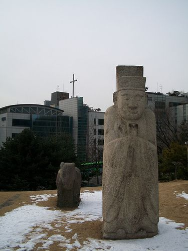 Tomb of King Seongjong and his wife Queen Jeonghyeonwanghu - Some cool father tablet images:  Tomb of King Seongjong and his wife Queen Jeonghyeonwanghu    Image by adamgn  The spirit tablets of the Joseon kings and queens are in Jongmyo, but their t