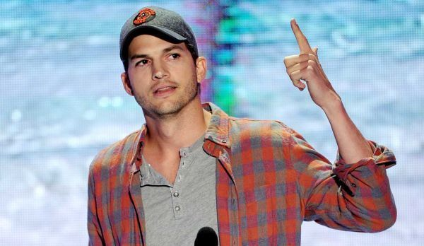 Ashton Kutcher Gives Moving Speech To Teens That Would Make Steve