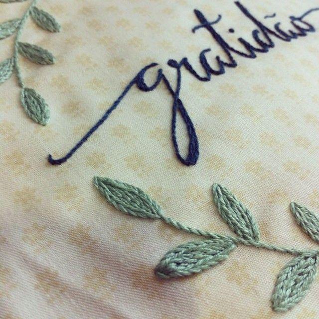 Detalhes  #detail #clubedobordado #detalhes #embroidery #bordado #feitoamão…