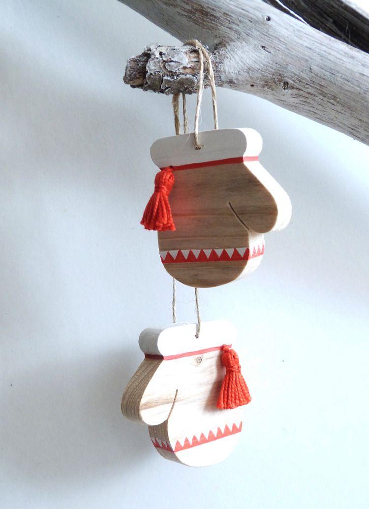 d coration moufles du p re no l en bois pi ce de bois. Black Bedroom Furniture Sets. Home Design Ideas