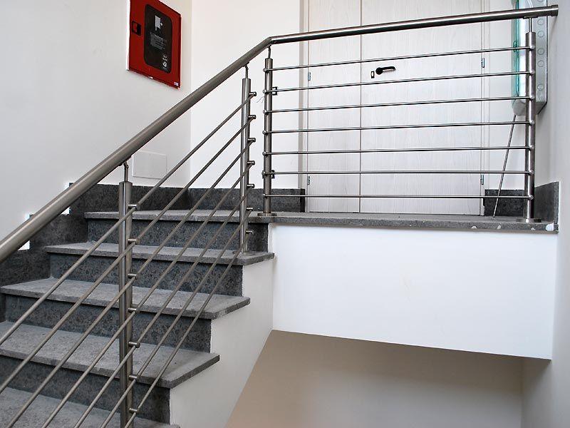 Ringhiera in acciaio per scale interne cancelli e ringhiere scale - Ringhiera scale interne ...