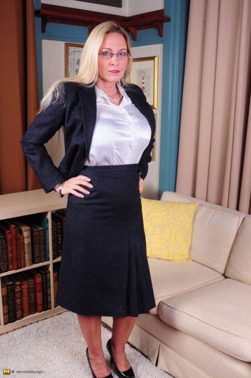 Blouses Beauties Pinterest Satin Office En Tailleur Femme Mure pqIT00F