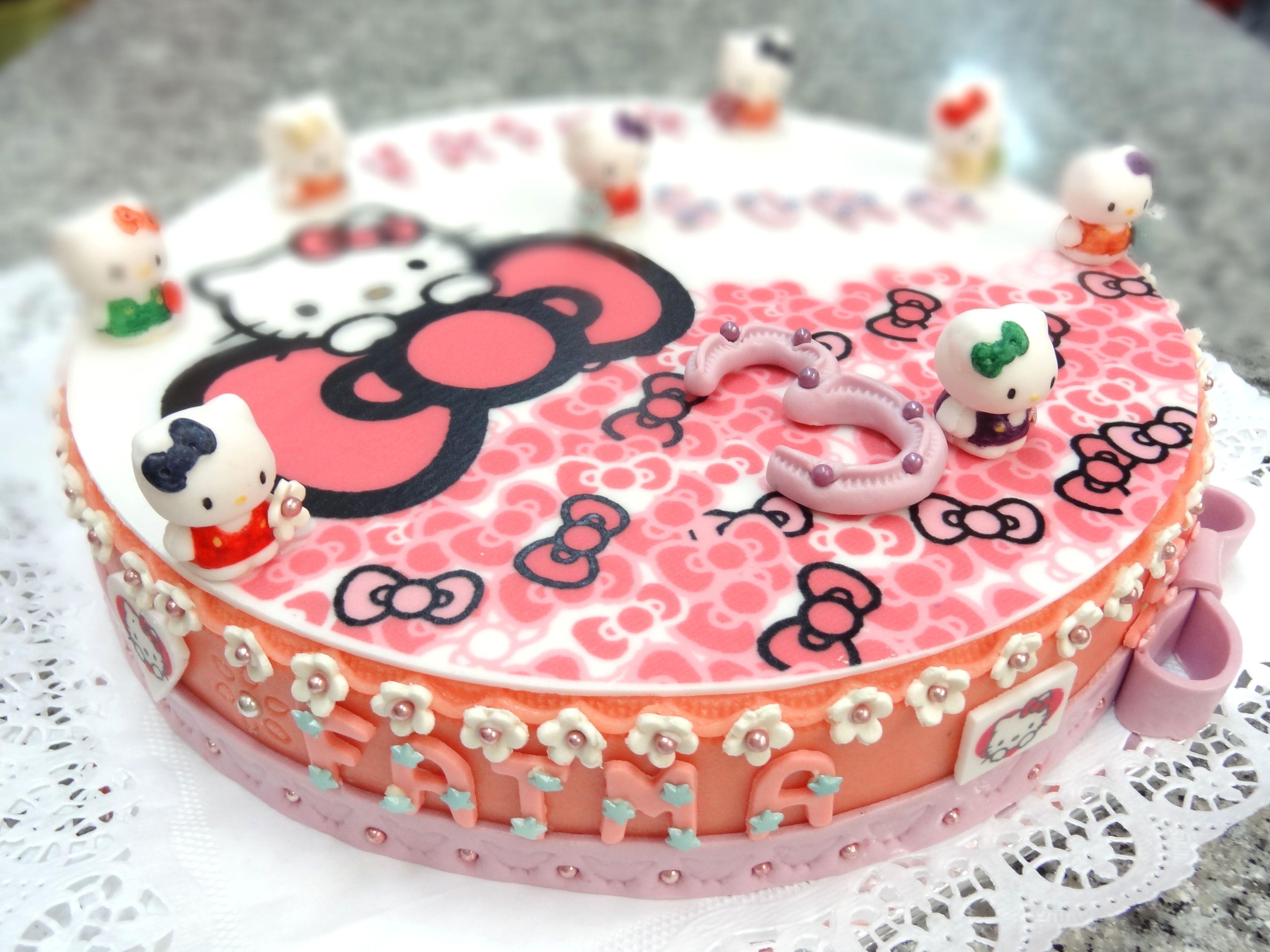 Geburtstagstorte Hello Kitty Handgemacht Von Cafe Riese In Koln