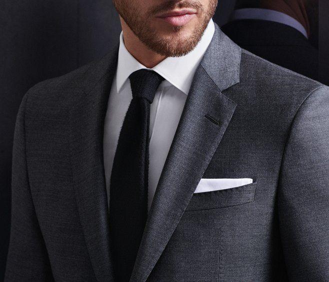 Grauer Full Canvas Anzug Weißes Hemd Und Schwarze Krawatte Von Boss