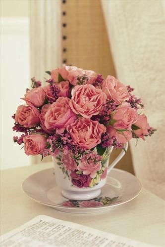 30 Vintage Flower Arrangements You Must Do This Spring Vintage Flower Arrangements Flower Arrangements Floral Arrangements