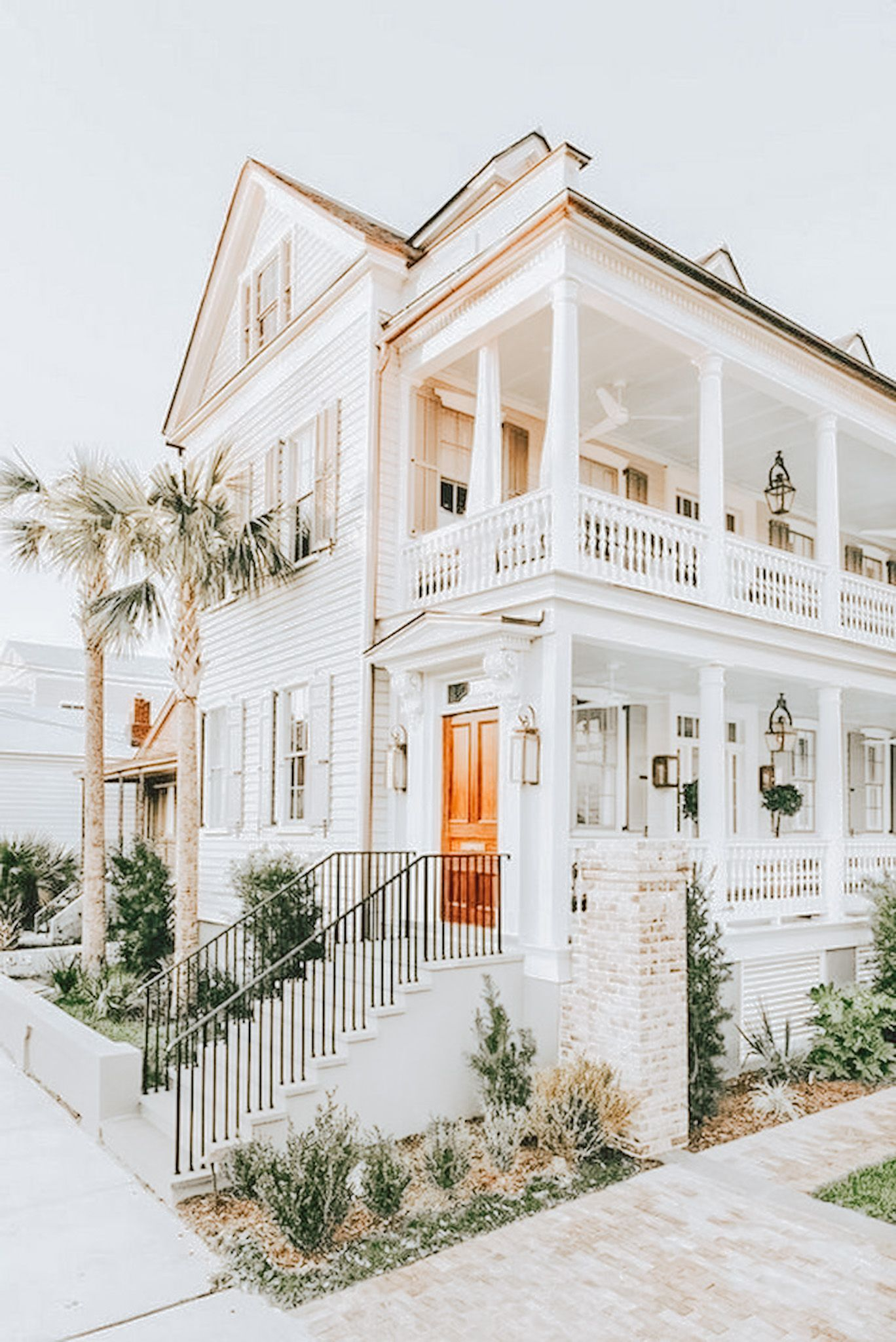 Pin Xknunicorn In 2020 Beach House Exterior Dream House Exterior Dream Beach Houses