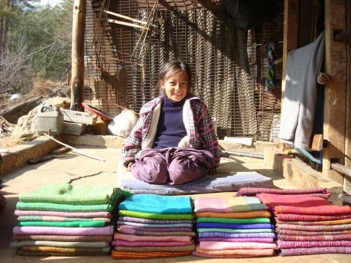 o sorriso dessa menina lindinha do Butão  - by Cris Figueired♥