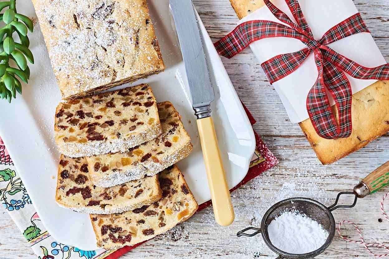 Sour Cream Fruitcake Recipe In 2020 Fruit Cake Sour Cream Fruitcake Recipes