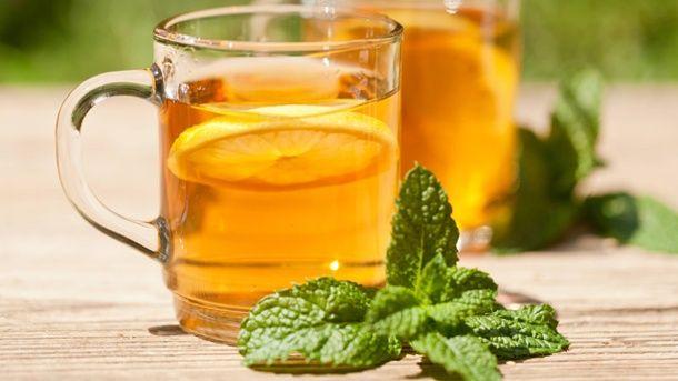 Beruhigenden Zitronenmelissen-Tee selber machen | Zitronenmelisse ...
