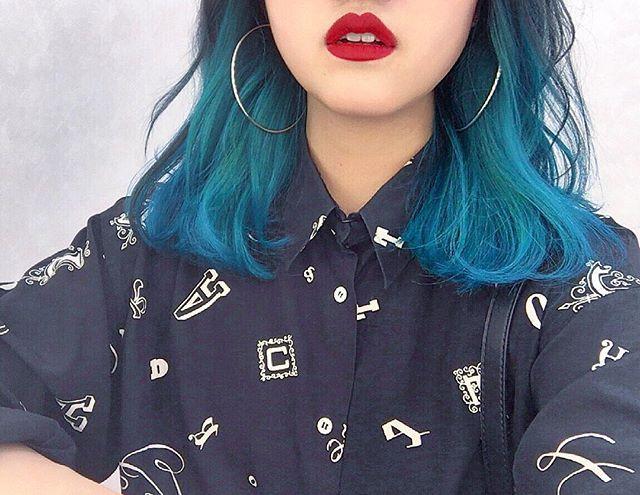 WEBSTA @ hsymmrk - アニオタハジメマシタ 💚💙素敵な髪型。想像以上。#hair#color#blue#green#color#cute#nice#crazy#emerald#salon#instalike#instamood#instagram#thankyou#manicpanic#supram#anime#한국#홍대#여행#친구#한국인#서울#인스타그램#메이크업#최고#색#미용원#マニパニ