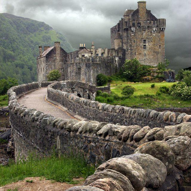 Ailean Donan Castle @ Scotland