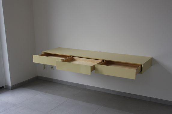 Nieuw Dit bureau cq wandkast kan dienen als bureaublad. Van binnenuit FX-05