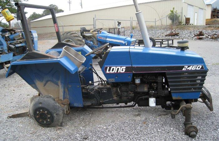 Long Backhoe Parts : This tractor has been dismantled for long