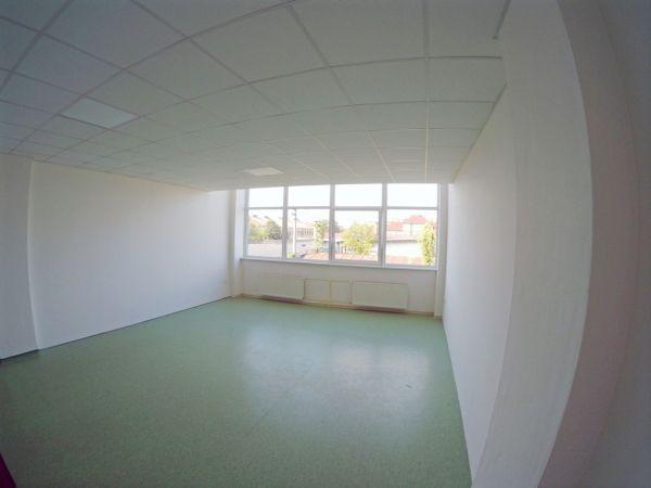 Kancelária 36m2 v širšom centre s parkov | REGIO-REAL s.r.o. (reality Prešov a okolie)