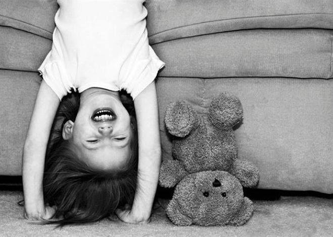 .- Не люблю, когда ты грустишь. Люблю, когда улыбаешься... - Вот и не грусти меня, а улыбай... Сергей Распутин