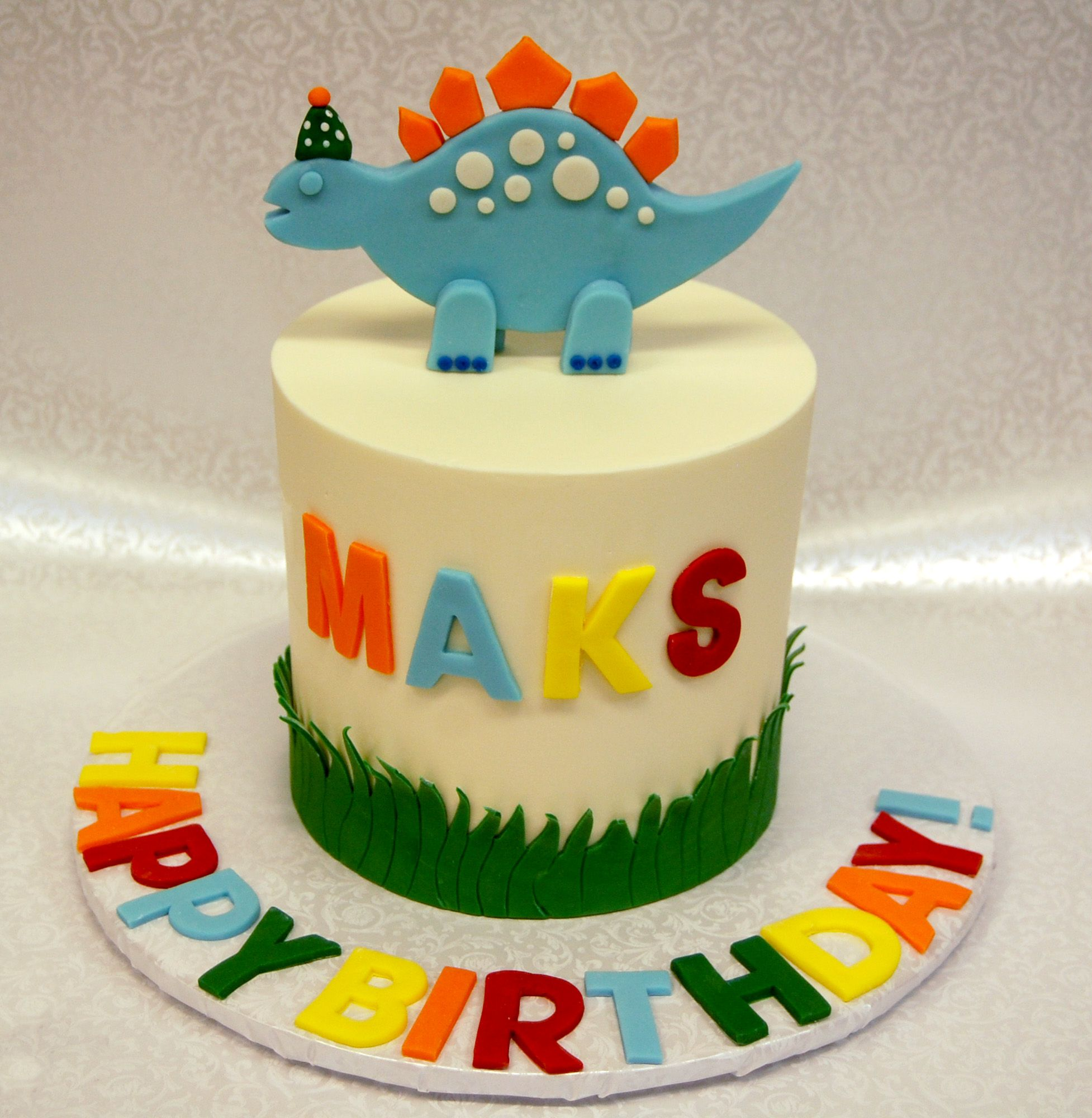 Incredible Squeeeee A Dino With A Tiny Birthday Hat Dinosaurcake Dinocake Birthday Cards Printable Opercafe Filternl