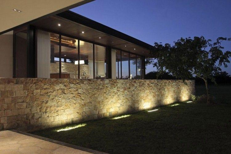 Travertinstein Sichtschutz Gartenmauer Mit Beleuchtung Steinwand Zaun Beleuchtung Beleuchtung Garten