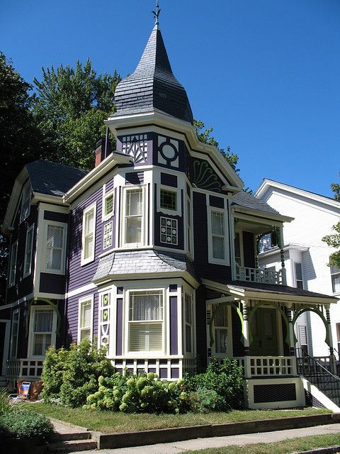Purple And Green Victorian Homes Victorian Style Homes Old Victorian Homes