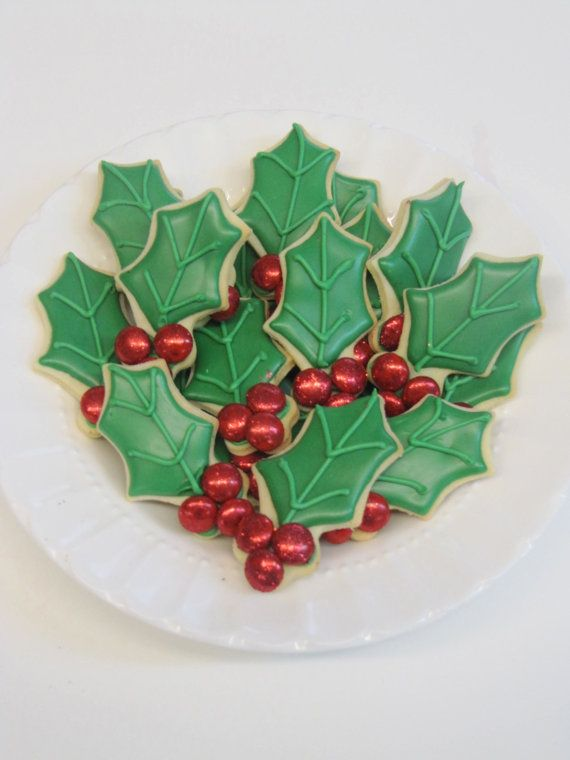 Holly Berry Sugar Cookies By Bakemepretty On Etsy 36 00 Bake Me