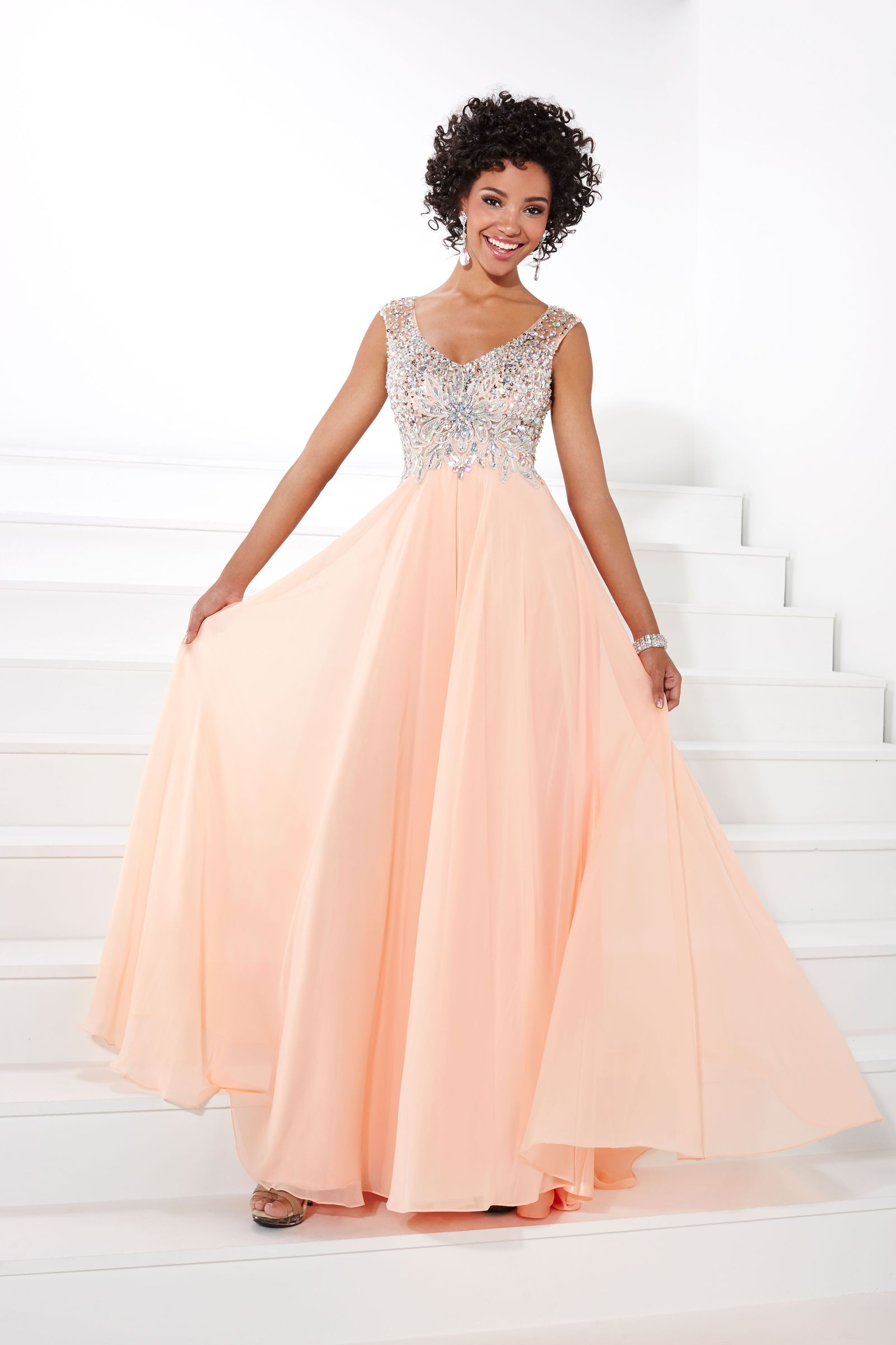 ball gowns that will make you feel like a princess on prom