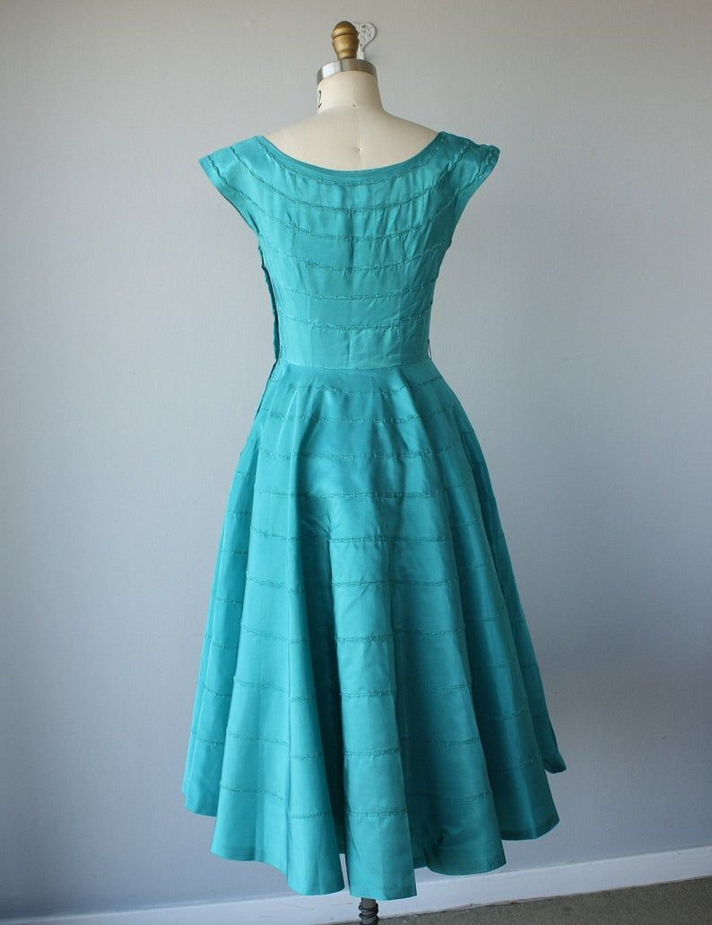 Vintage 1950s Party Dress 50s Cocktail Dress 50s Dress Etsy In 2021 1950s Party Dresses Dresses Party Dress [ 1031 x 794 Pixel ]