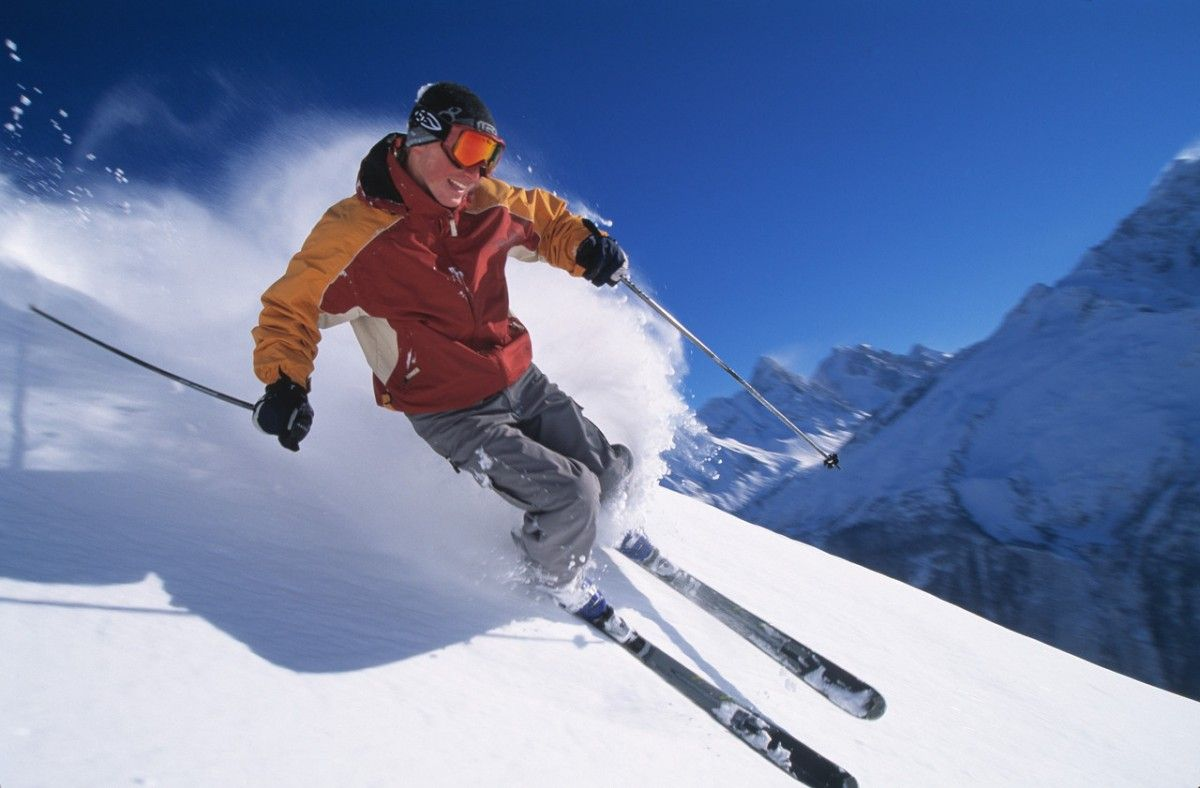 Top 10 Destinations for Skiing in India Skiing, Alta ski