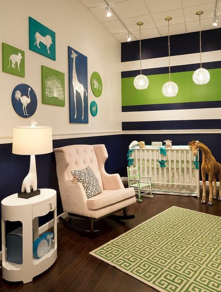 Chambre de bébé garçon et fille décorée avec des rayures Chambre à