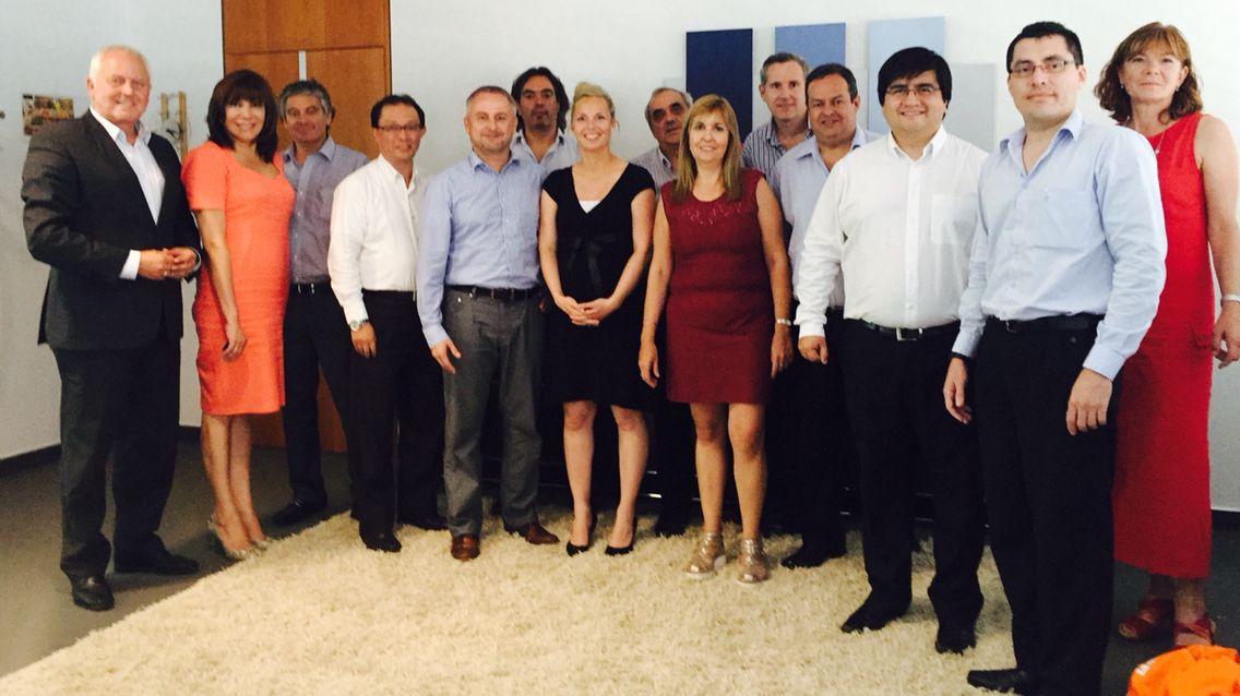 ... geschäftsführer großer lateinamerikanischer kreditgenossenschaften zu gast anläslich ihrer learning journey. thema bei uns: die digitale transformation der geno-dna in die zukunft #dgrv