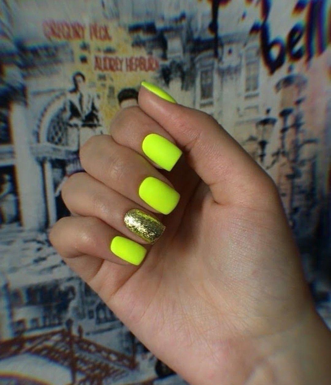 Pin By Brattzpinz On Nail Ideas Bright Acrylic Nails Green
