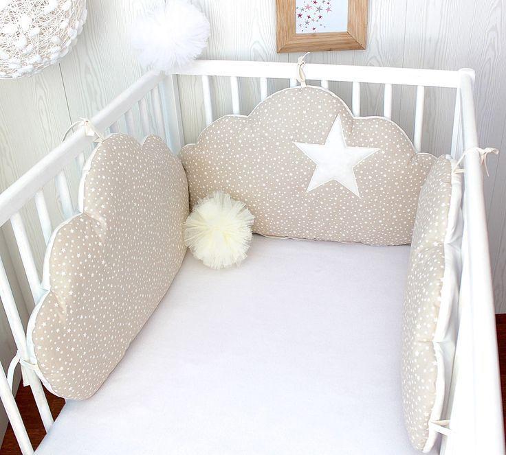 Tour de lit bébé 3 grands coussins nuages à petites étoiles, couleur