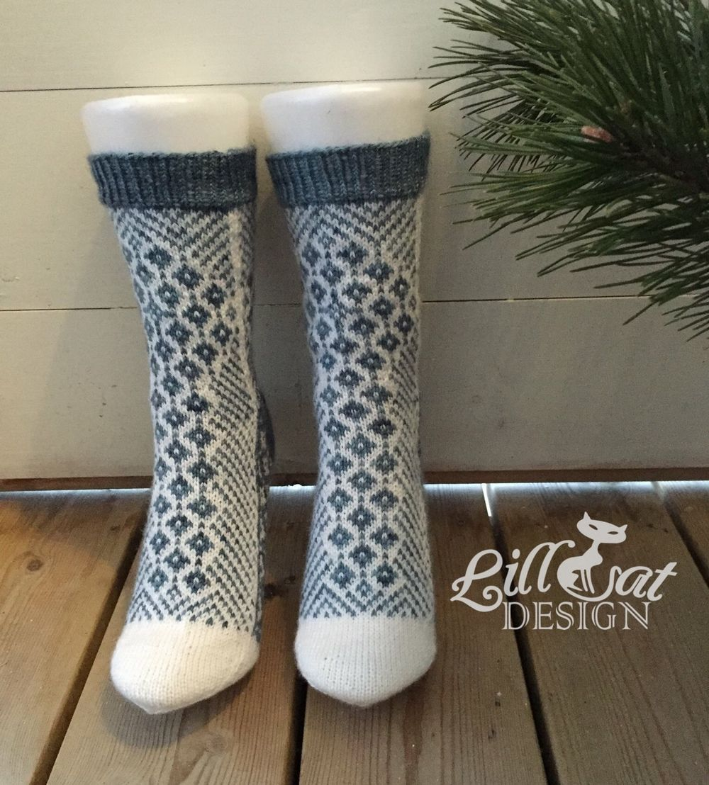 Produktet Ask sokk selges av Garnkista i vår Tictail-butikk.  Tictail lar deg opprette en flott nettbutikk gratis - tictail.com