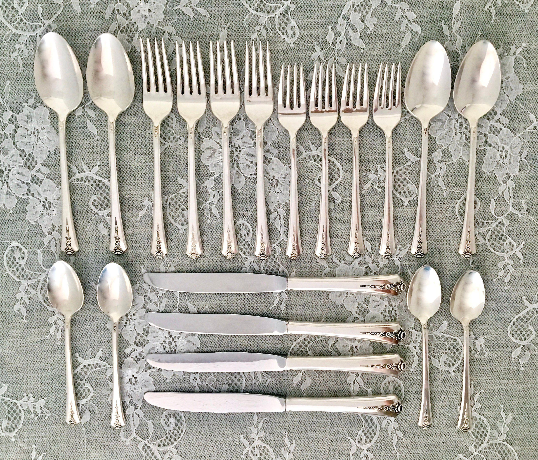 """Oneida Community White Orchid 1953 Set of 4 9 3//8/"""" Dinner Knives four"""