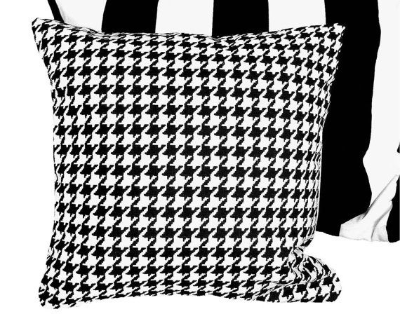 Black And White Decorative Pillows Ralph Lauren Houndstooth By Pillowthrowdecor With Images Houndstooth Pillows Plaid Pillow Covers Black And White Decor