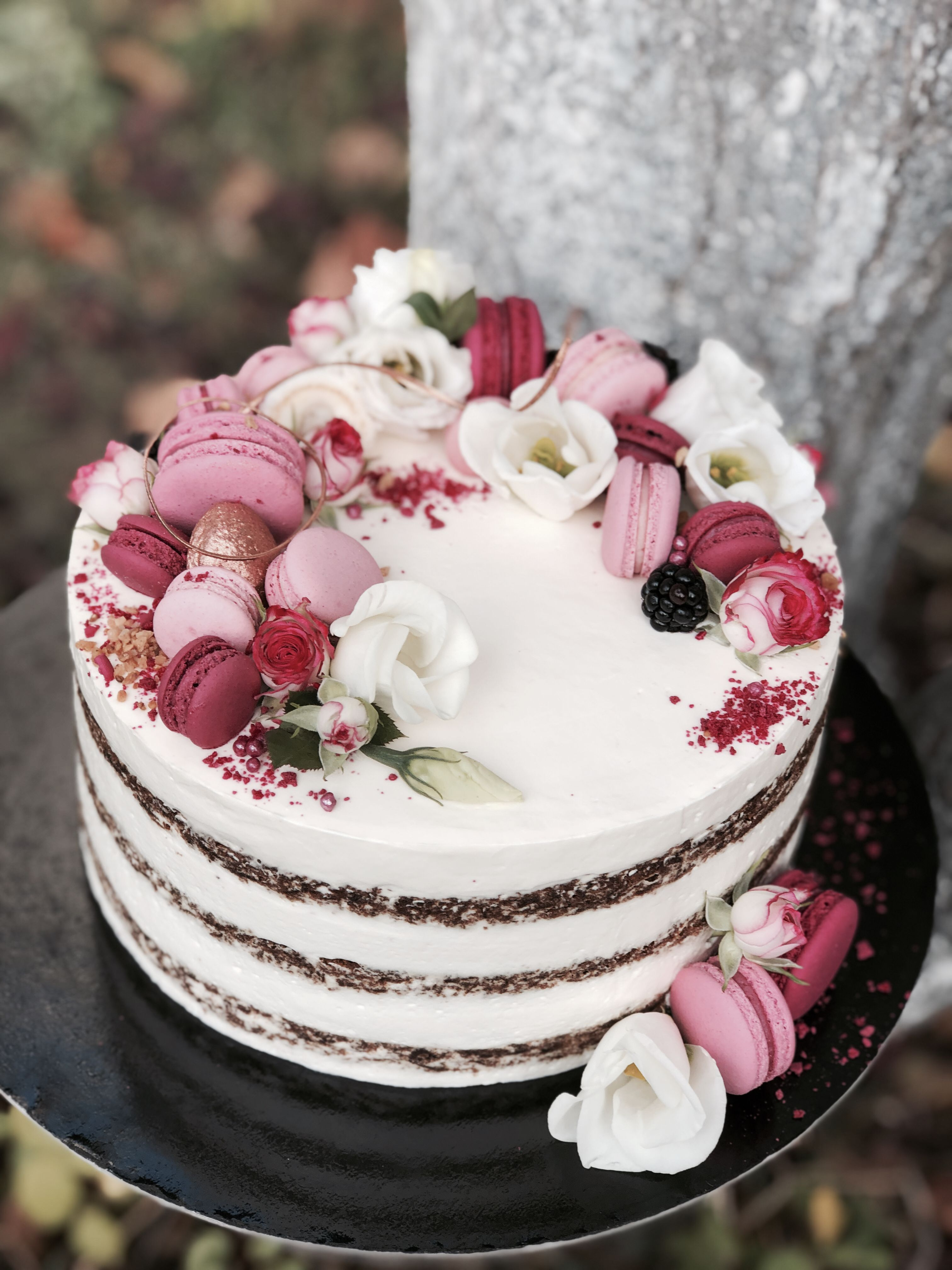 Pin on Cakes by Macarons Boutique