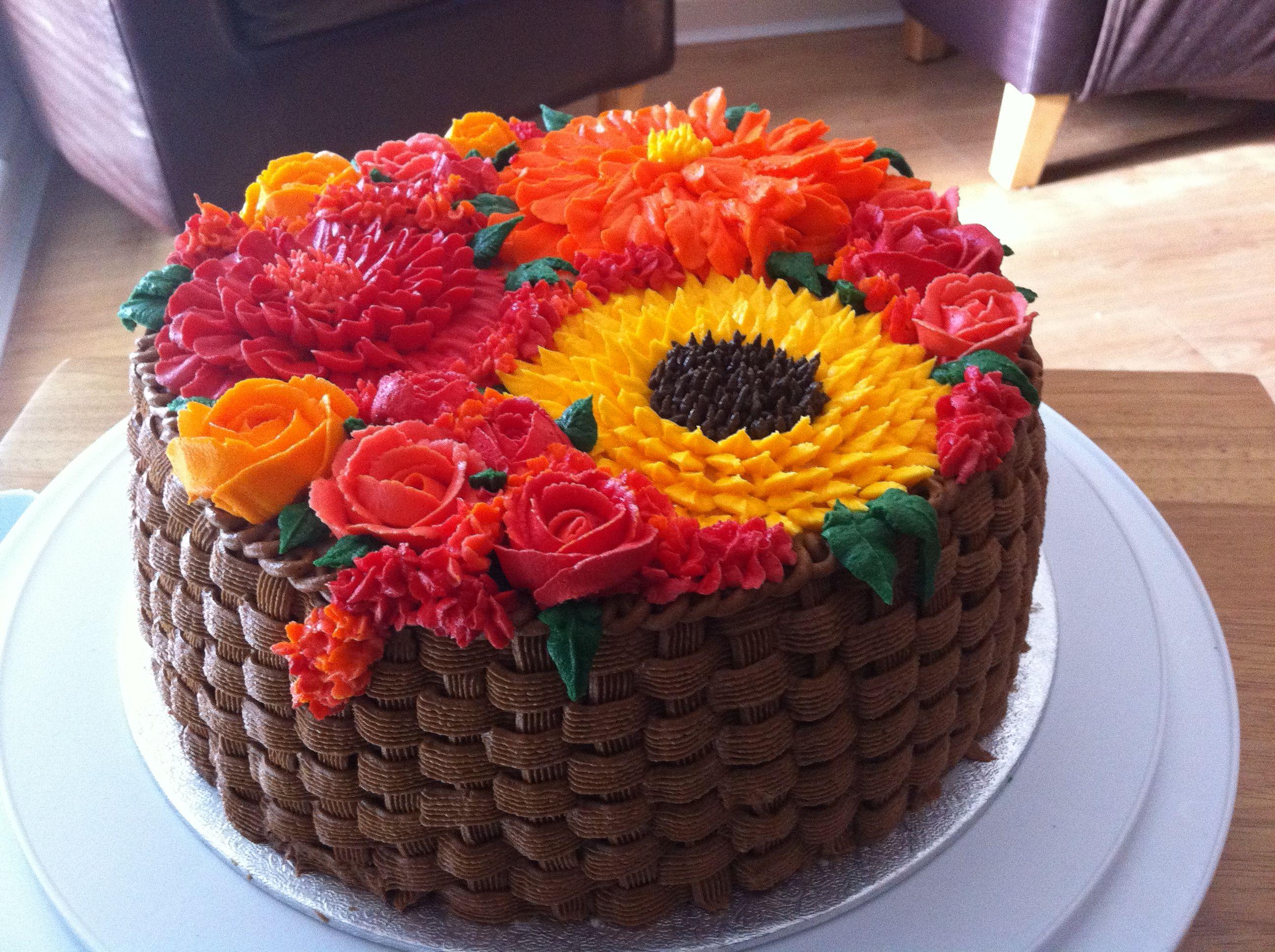 cake decorating with buttercream | Buttercream Cake ...